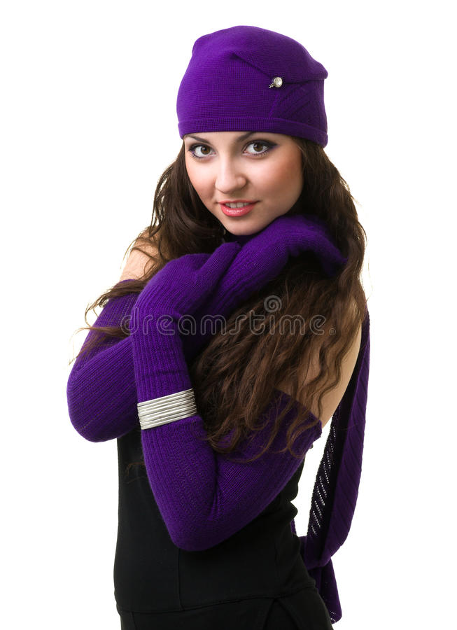 knitwear Mujer joven que desgasta un casquillo del invierno fotografía de archivo libre de regalías