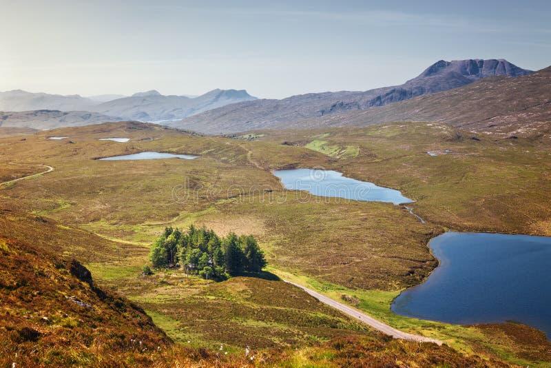Knockan-Felsspitze ist eine Reihe Klippen in Assynt, kilome Schottlands 21 lizenzfreie stockbilder