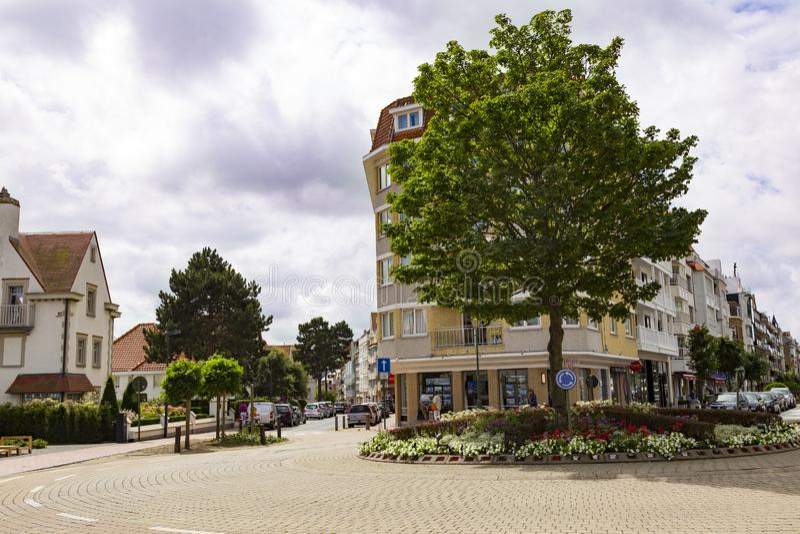 Knokke-вооруженное ограбление Бельгия морского курорта Улица города стоковое фото rf