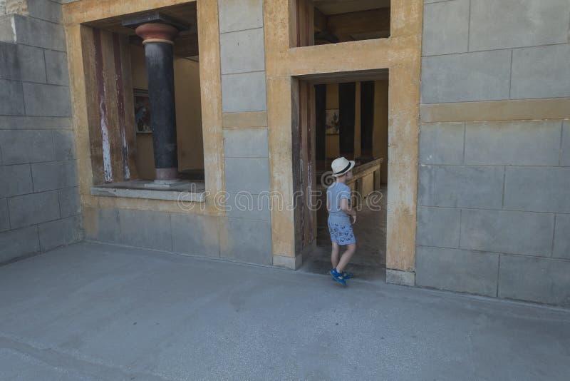 Knossos slottKreta royaltyfri foto