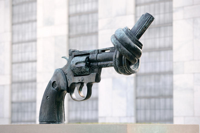 The Knotted Gun sculpture at United Nations stock image