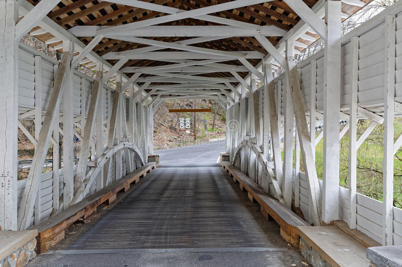 Knox Covered Bridge en parc de forge de vallée image stock