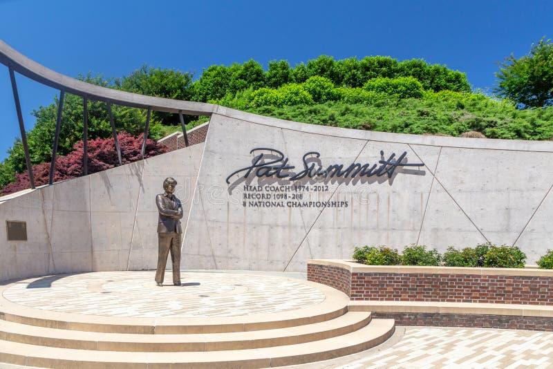 Pat Summitt Memorial Statue at University of Tennessee. KNOXVILLE, TN/USA JUNE 4, 2018: Pat Summitt statue and memorial on the the campus of the University of stock photos