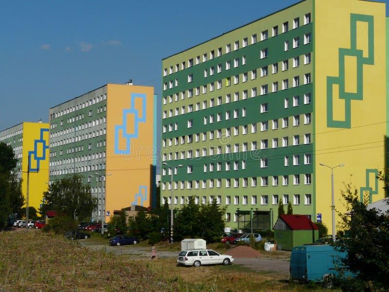 KNUROW SZCZYGLOWICE, SILESIA, propriedade do Pol?nia-alojamento 20 anos, torres em Alei Piastow imagens de stock