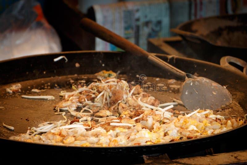 Knusperiger thailändischer Austern-Omelettname ist HOY TOD stockbild