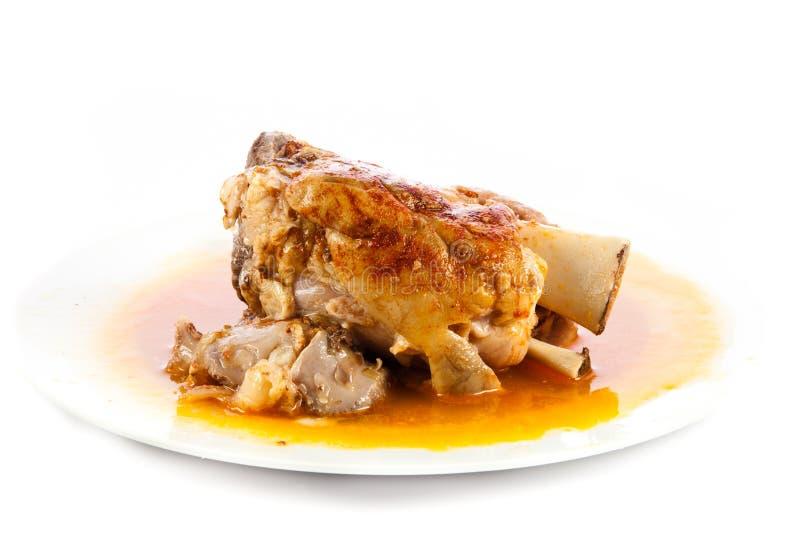 Download Knykieć Wieprzowina Na Talerzu Odizolowywającym Na Białym Tła Jedzenia Mięsie Obraz Stock - Obraz złożonej z piec, tło: 53785441