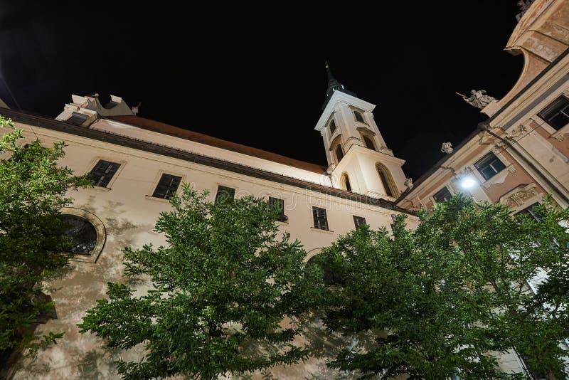 Kościelny wierza w miasteczku obraz royalty free