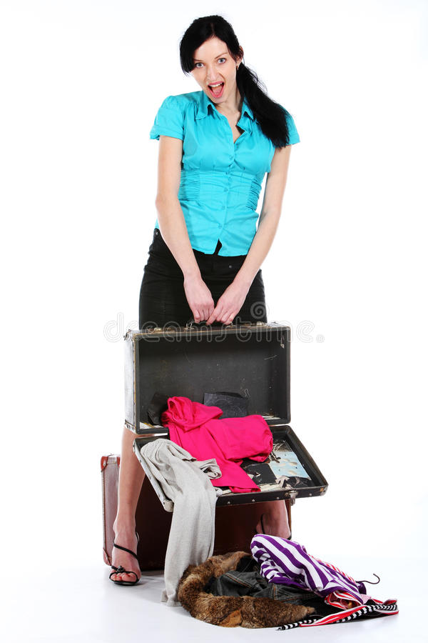 końcówka dziewczyny starzy rozpieczętowani walizki potomstwa zdjęcia stock