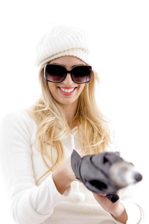 końcowej kobiety frontowy uśmiechnięty parasolowy widok zdjęcie stock