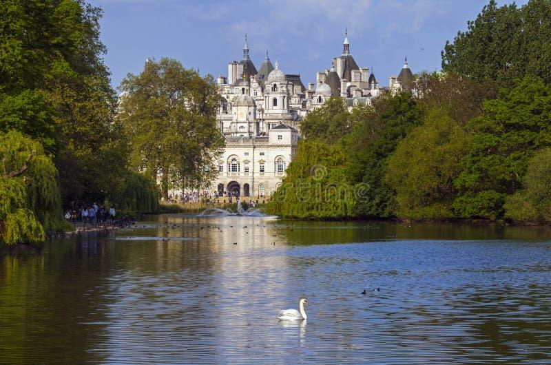Końscy strażnicy buduje w Londyn obrazy royalty free