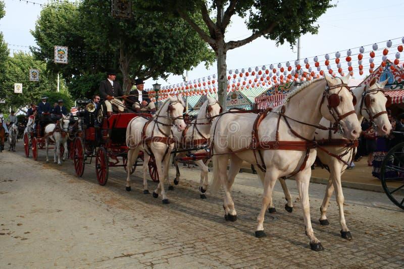 Końska fury przejażdżka przy Seville jarmarkiem, Andalusia Hiszpania obrazy royalty free