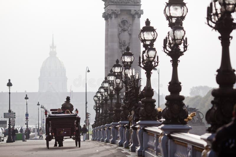Koński fracht na Paryjskim bridżowym Alexandre III obrazy stock