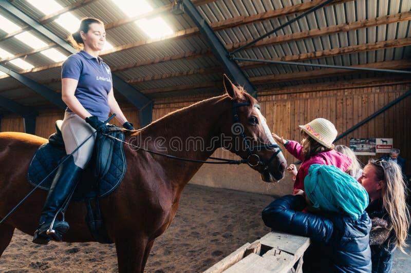 Końskiej jazdy instruktor zdjęcie royalty free