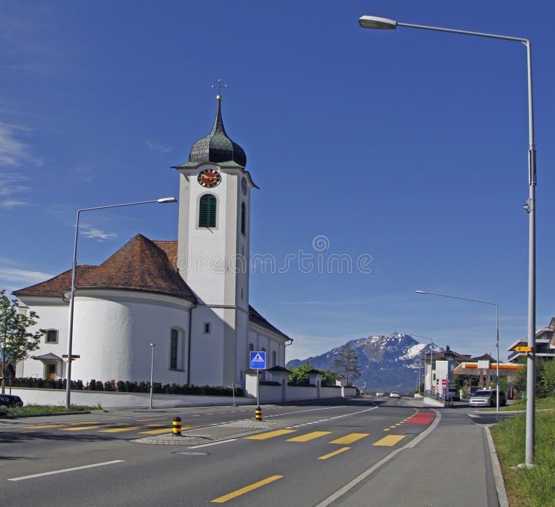 Ko??i?? Protestancki w wiosce blisko do Luzern miasta obrazy royalty free