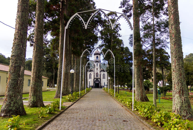 Kościół święty Nicholas w Sete Cidades na wyspy Sao Miguel obraz stock