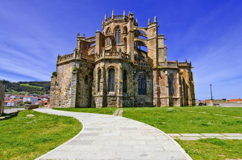 Kościół Castro Urdiales. zdjęcie royalty free