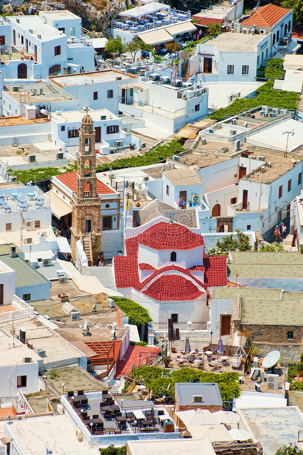 Kościół i domy w lindos, Rhodes, Greece fotografia stock