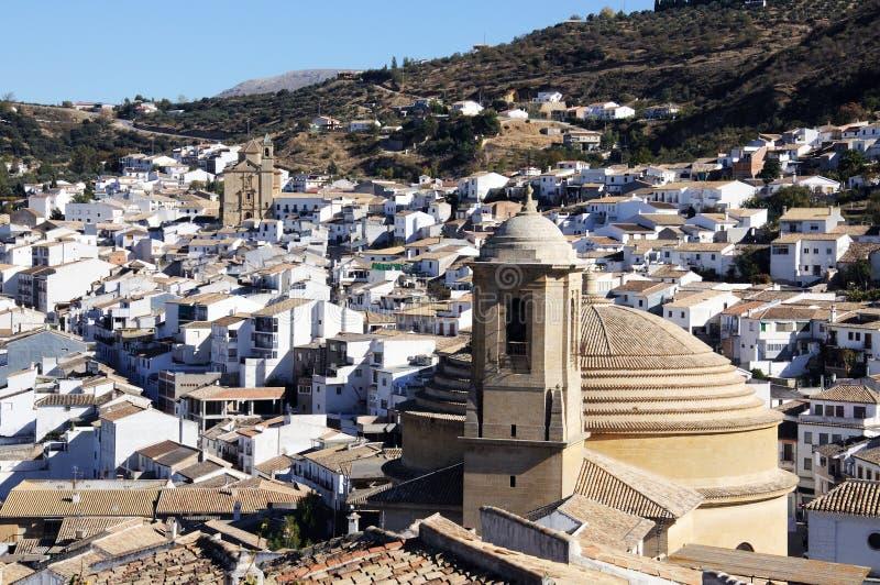 Kościół i wioska, Montefrio, Hiszpania. zdjęcia royalty free