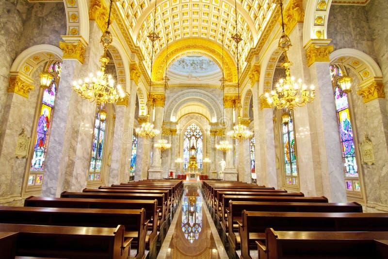 kościół katolicki wśrodku wnętrza zdjęcie royalty free