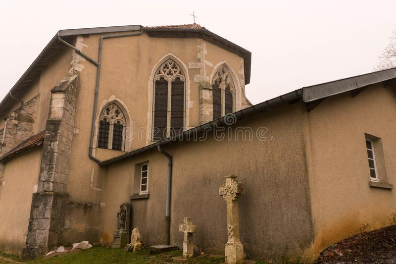 Kościół Katolicki w Renoville, Francja w zimie obraz stock