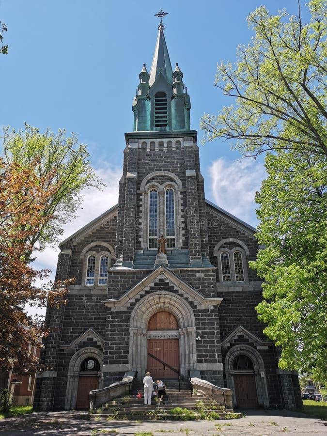 Kościół na alei w Québec mieście Kanada obrazy royalty free