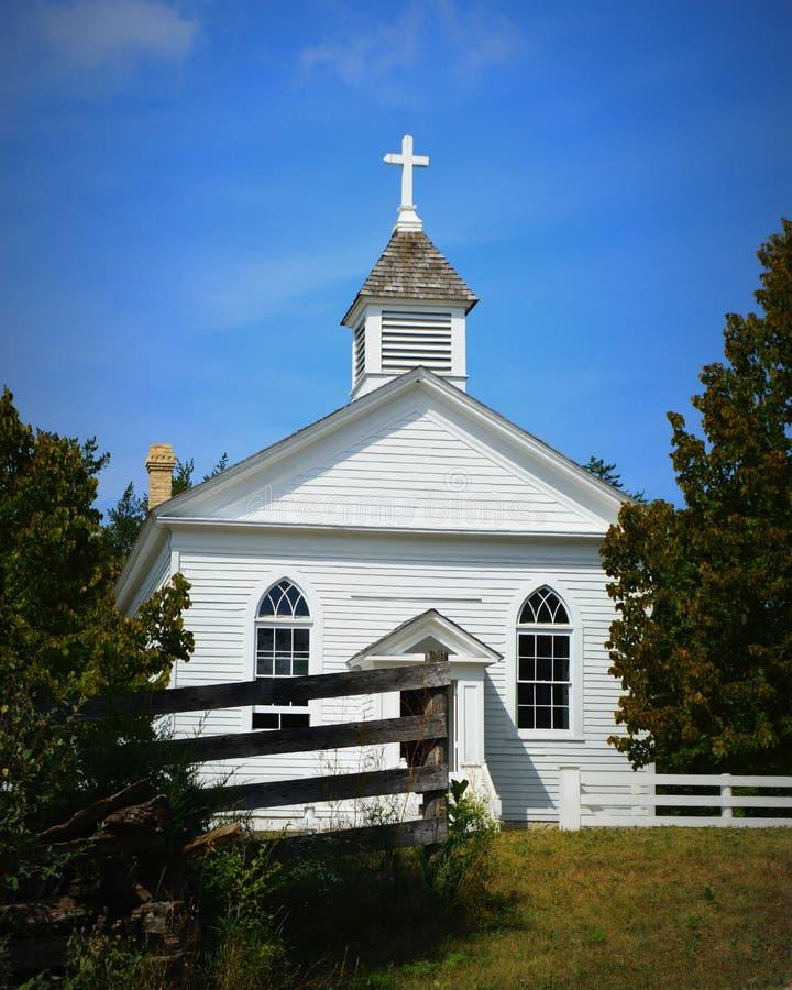 Kościół przy starym światem Wisconsin zdjęcie stock