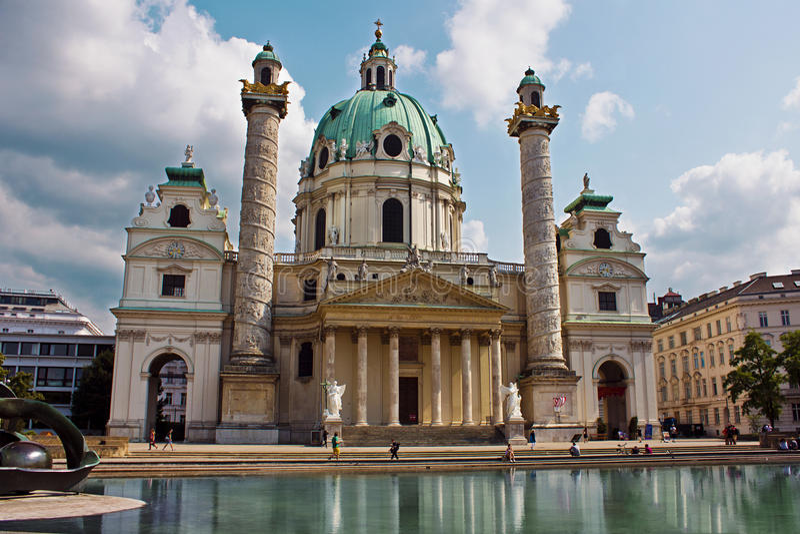 Kościół St Charles Borromeo w Wiedeń (Wiener Karlskirche) zdjęcie stock