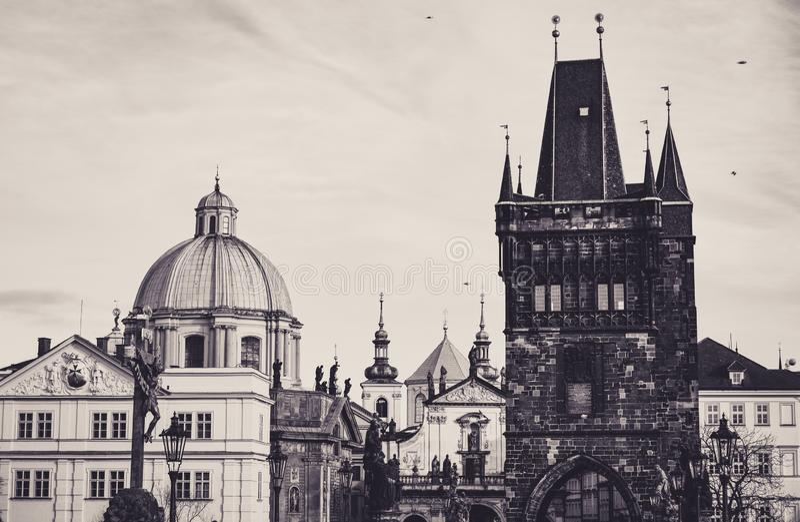 Kościół St Francis i Stary miasteczko mostu wierza Sepiowy zdjęcia royalty free