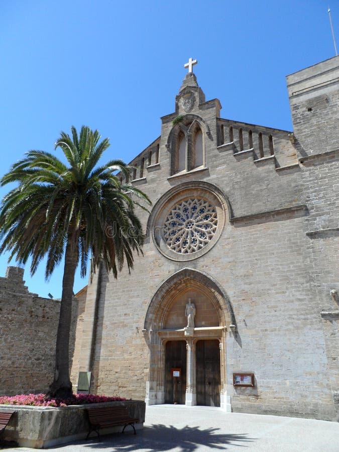 Kościół St Jaume w Majorca's starym mieście Alcudia fotografia royalty free