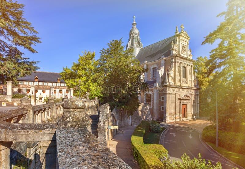 Download Kościół St Vincent w Blois obraz stock. Obraz złożonej z tradycyjny - 53784973