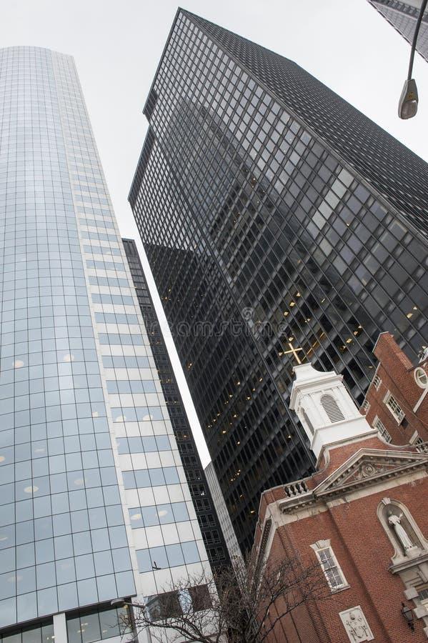 Kościół vs drapacz chmur obrazy royalty free