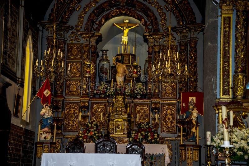 Kościół w Camara De Lobos jest wioską rybacką blisko miasta Funchal i niektóre wysokie falezy w świacie obrazy stock