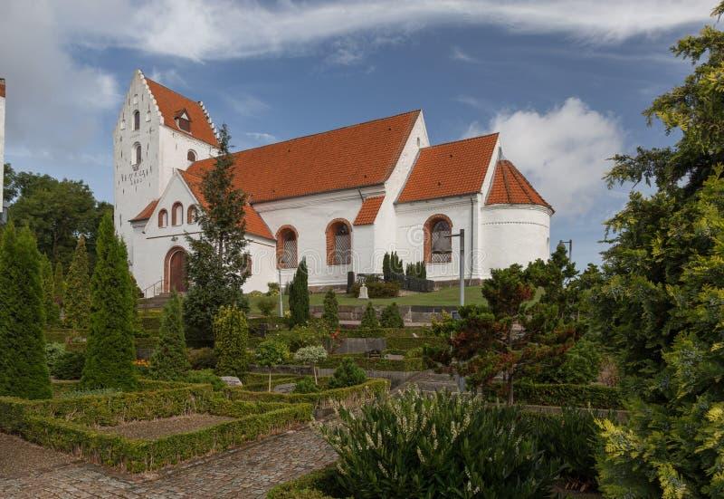 Kościół w cmentarzu zdjęcia royalty free