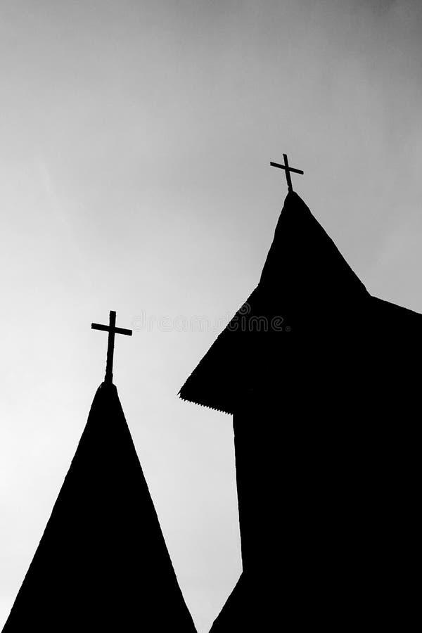 Kościół wierzchołek lub steeple sylwetka w czarny i biały Artystyczna monochromatyczna fotografia zdjęcie stock