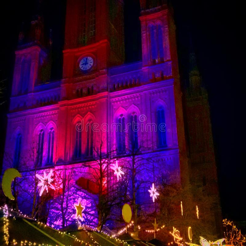 Kościół Wiesbaden przy Bożenarodzeniowym czasem fotografia stock