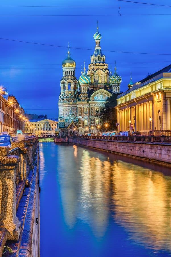 Kościół wybawiciel na krwi przy nocą, St Petersburg zdjęcie royalty free