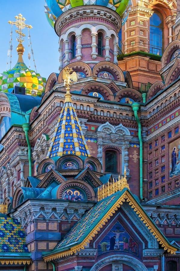 Kościół wybawiciel na Rozlewającej krwi święty Petersburg, Rosja - - 1880s kościelni z wibrującym sowicieckim projektem - obraz royalty free