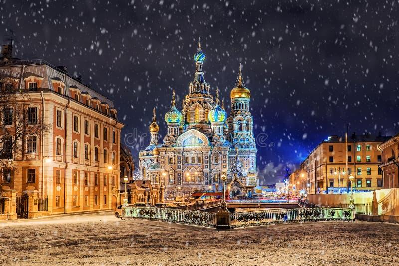 Kościół wybawiciel na Rozlewającej krwi w St Petersburg zdjęcie stock