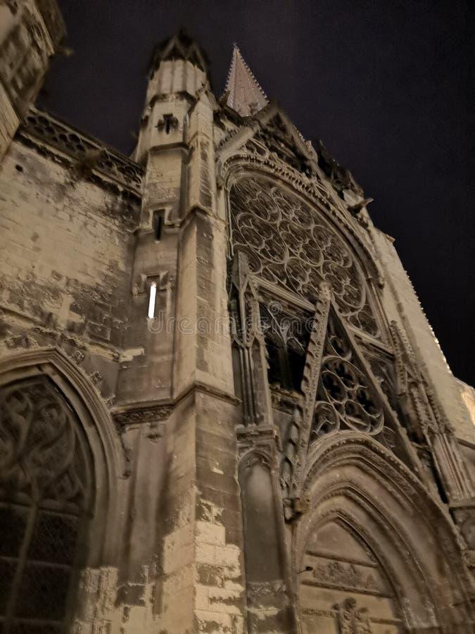 Kościelna fasada w mieście Caen, Francja obraz stock