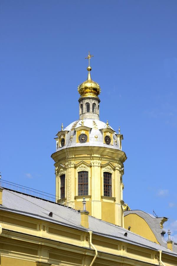 Kościelna iglica w Peter i Paul fortecy w St. Petersburg zdjęcie stock