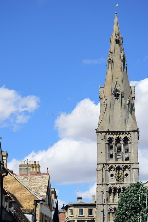 Kościelna iglica w Stamford Lincolnshire zdjęcia stock