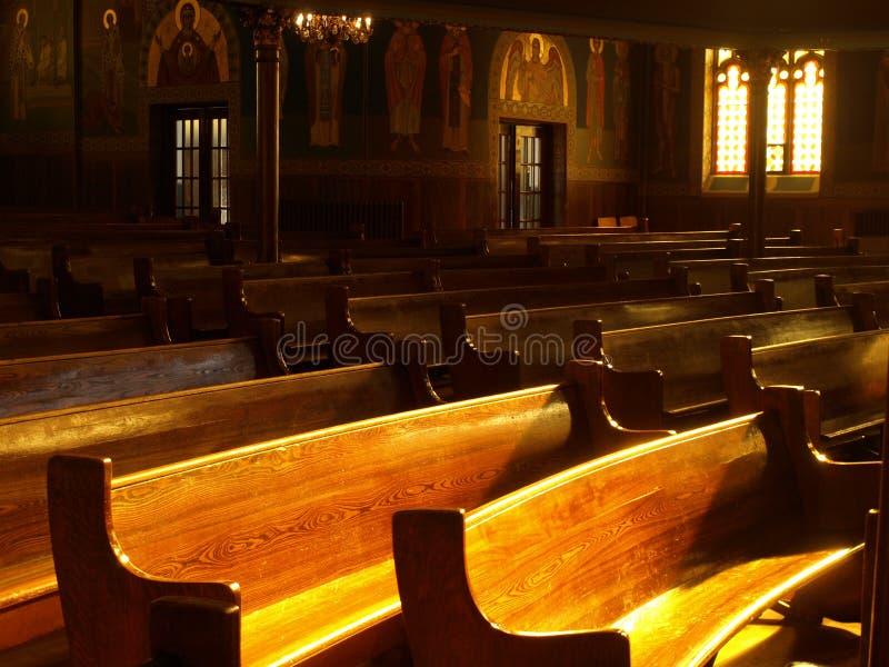 kościelne ławki obraz royalty free