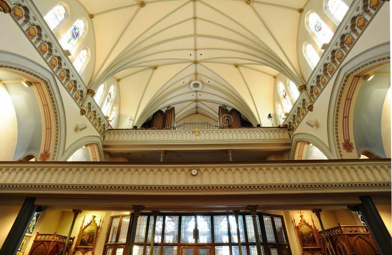 Download Kościelni wnętrza zdjęcie stock. Obraz złożonej z budynek - 13325246