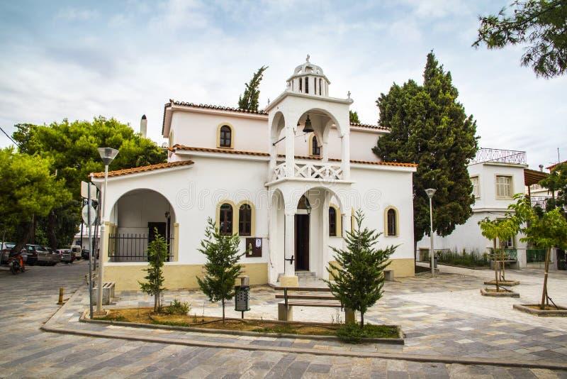 Kościelny dzwonkowy wierza, Skiathos miasteczko, Grecja, Sierpień 18, 2017 obrazy royalty free