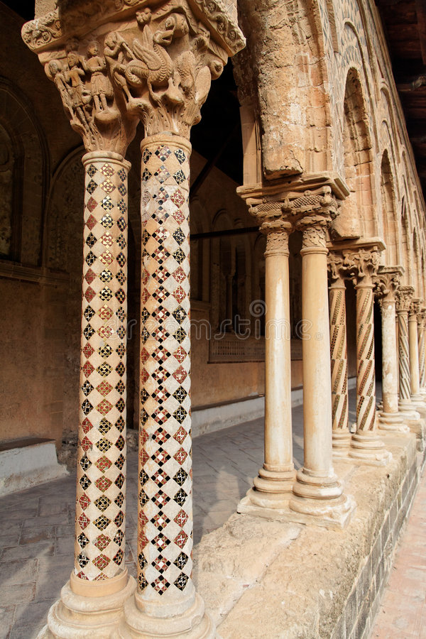 kościelny kolumn Italy monreale Sicily obraz royalty free