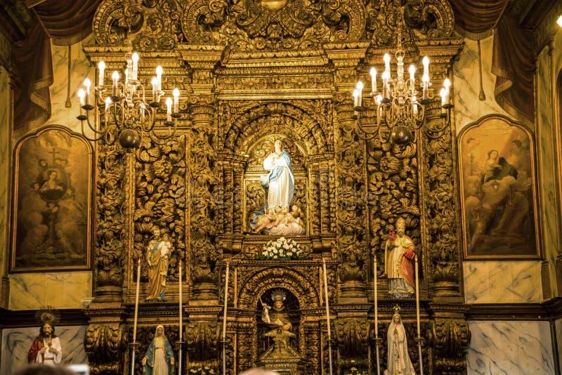 Kościelny ołtarz w Camara De Lobos jest wioską rybacką jest blisko miasta Funchal a zdjęcie stock