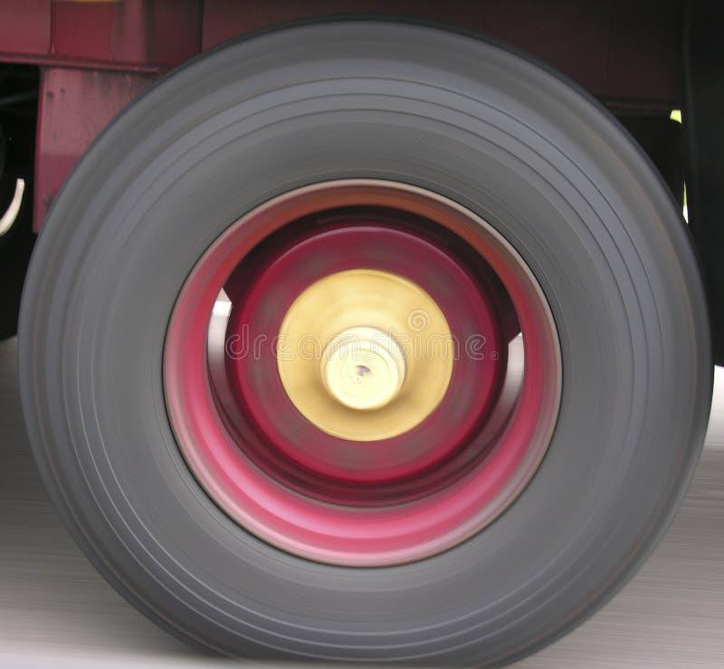 Download Koła obraz stock. Obraz złożonej z axles, prędkość, czerwień - 143365