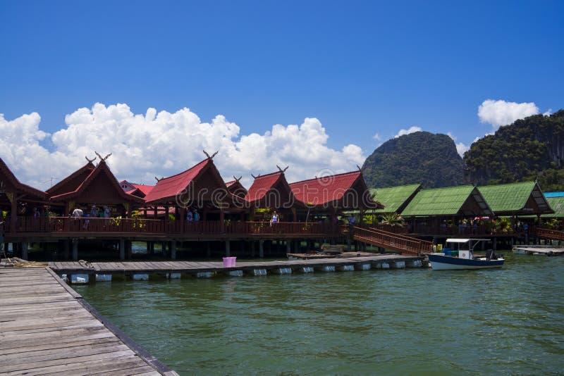 Ko Panyi, Thailand im M?rz 2013 Dorf auf dem Meer, Phangnga-Bucht lizenzfreie stockfotos