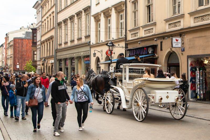 Ko?scy frachty przy ulic? w Krakow zdjęcie royalty free