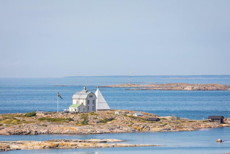 Kobba Klintar, een oude proefpost in archipel Aland met koffie en museum Schilderachtig landschap met eiland Bij Oostzee stock foto's